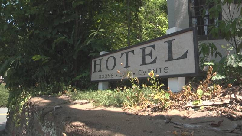 The Oakhurst Inn, near UVA, has several jobs open at multiple levels of the hotel -- and is...