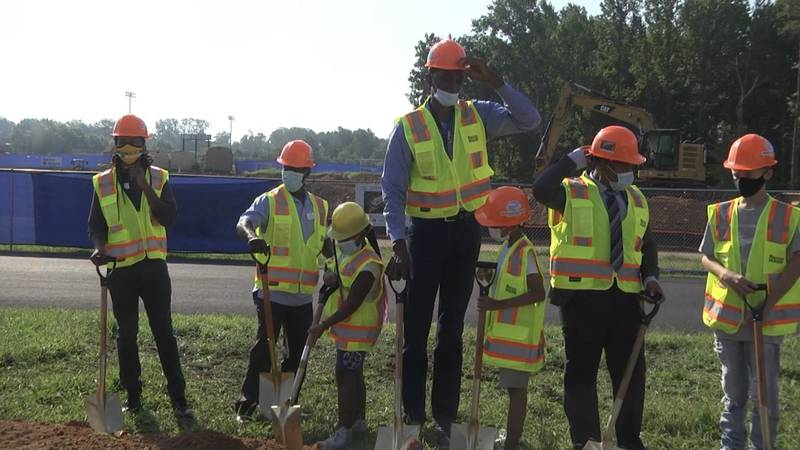Ralph Sampson and members of the Boys and Girls Club of Central Virginia at the groundbreaking...