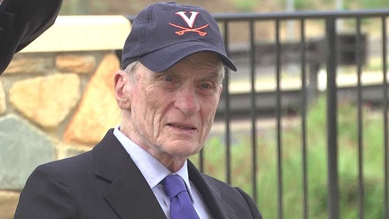 John Warner at an event in Charlottesville (FILE)