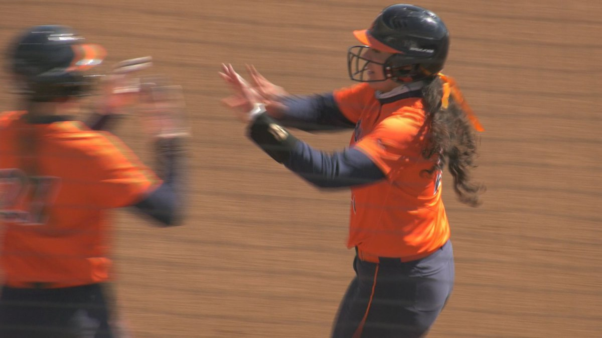 Donna Freidman drove in the first run of the game in the 1st inning.