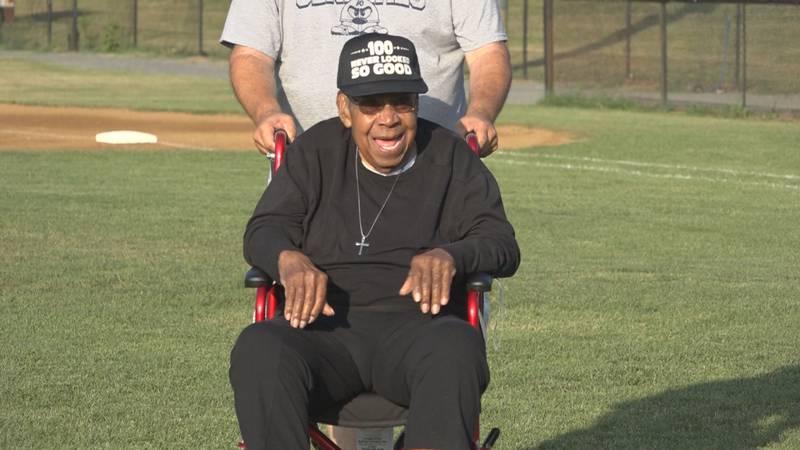 Wallace Redd honored at Valley Baseball League game in Waynesboro