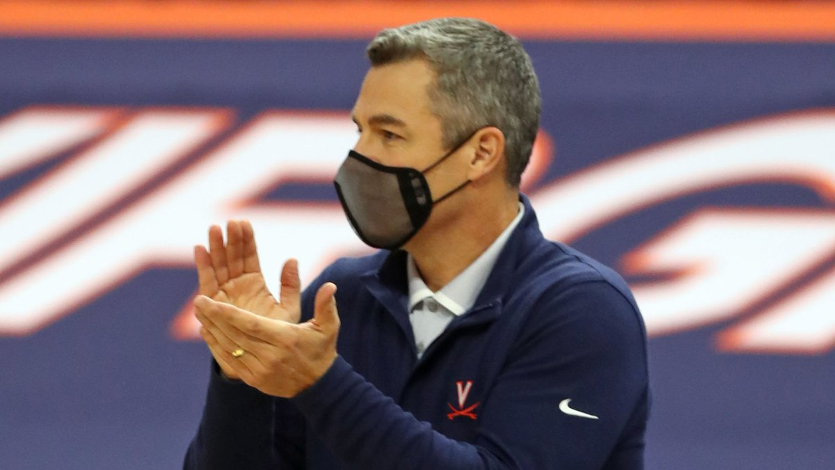 ANDREW SHURTLEFF, THE DAILY PROGRESS Virginia head coach Tony Bennett reacts to a play during...