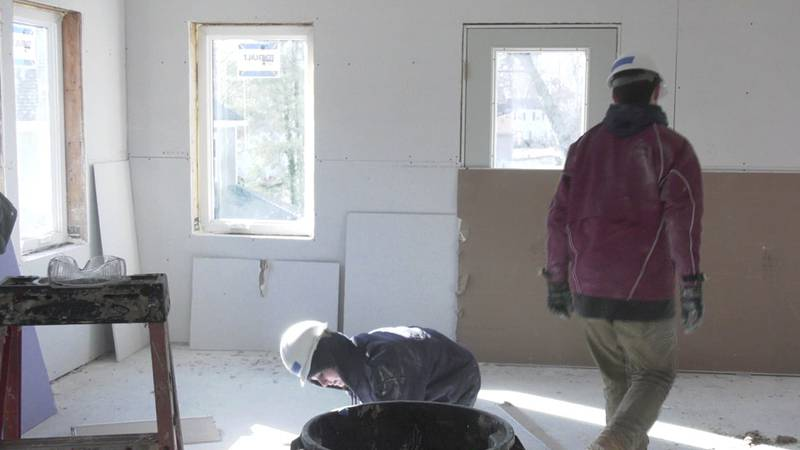 St. Anne's-Belfield School students helping out Habitat for Humanity of Greater Charlottesville.